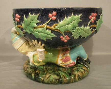 cobalt English majolica George Jones punch bowl - Alderfelder Auctions via Atticmag