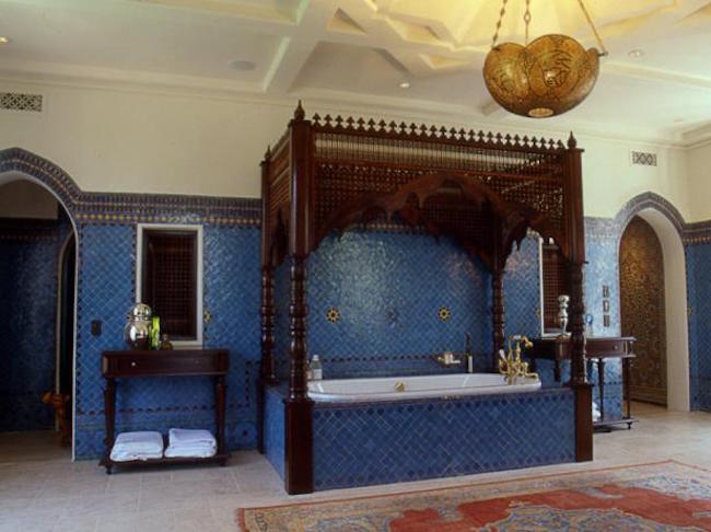 turkish rugs - cobalt Moroccan style bath by Chris Barrett with Oushak turkish rug - hgtv via Atticmag