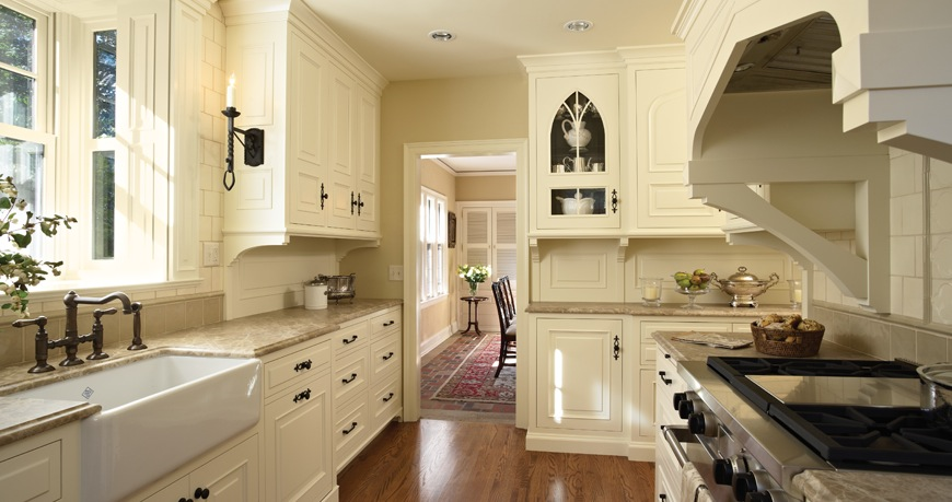 Amazing custard color kitchens Kitchen painted in Farrow u Ball white tie with Tudor arch range