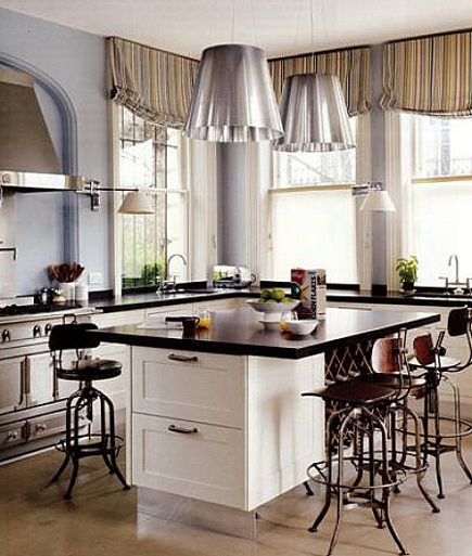 black and white Smallbone kitchen