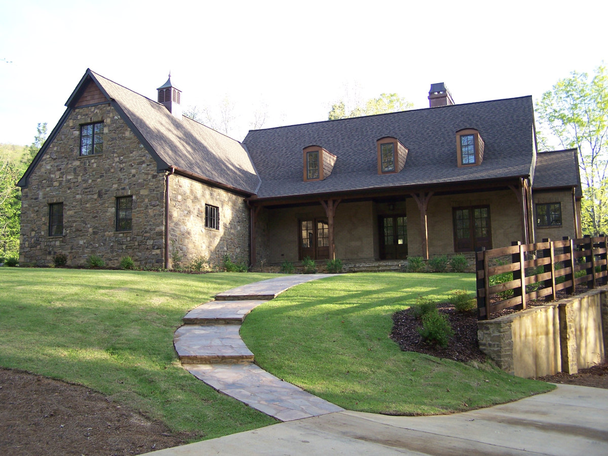 alabama stone garage by Tulsa architect Jack Arnold - atticmag