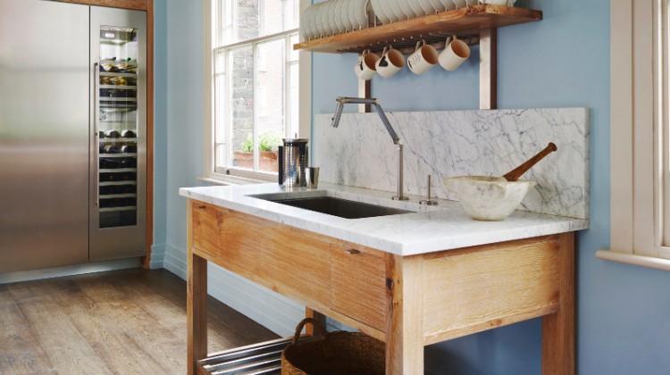 unfitted english kitchen - Smallbone of Devizes Brasserie kitchen - via Atticmag