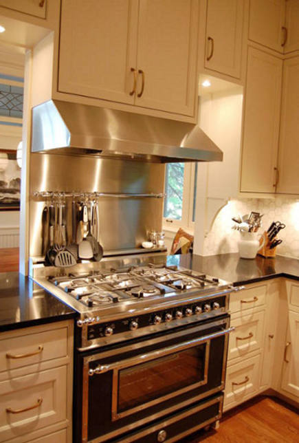 Lovely ... Black And White Renovated Kitchen With Black Bertazzoni Heritage Range    Amy K Via Atticmag
