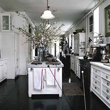 Practical Magic Kitchen - inspiration kitchen in loft of Practical Magic movie kitchen designers - NY Mag via Atticmag