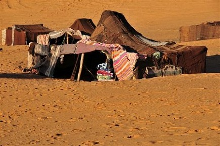 rugs in morocco - traditional Berber tent - Atticmag