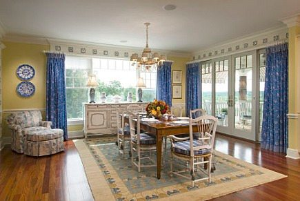 Sultanabad dining room rug from Sara Hopkins Interiors