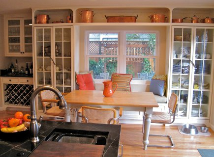 serious cook's kitchen - eat-in dining area adjacent to the black and white kitchen - Atticmag