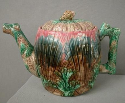Large majolica Etruscan shell and seaweed coffee pot with crooked spout