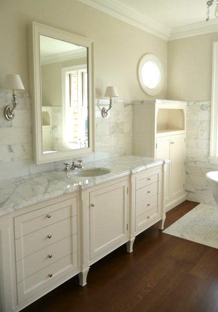 Marble Bathroom Floors   Calacatta Marble Bathroom With Wood Floor Inset  With Marble Mosaic Bath Mat