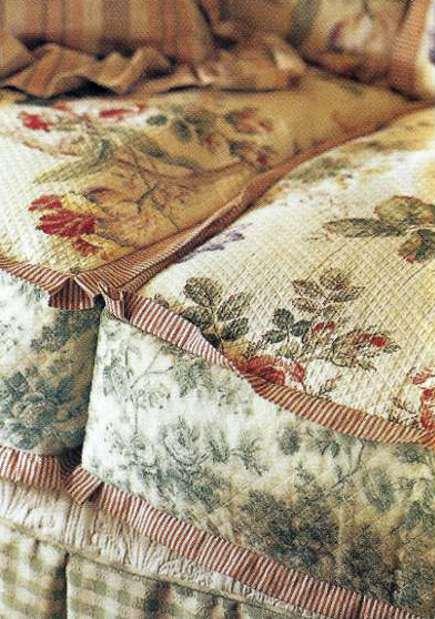 boho sofas - detail of Nina Hamilton's 5-print sofa slipcover - via Atticmag