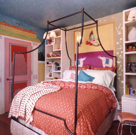 canopy bwds - iron canopy bed in girls bedroom by Robert Passal via Atticmag