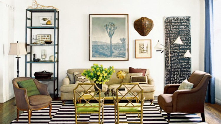 black and white dhurrie - black and white rug in a Chicago living room by Nate Berkus - Elle Décor via Atticmag
