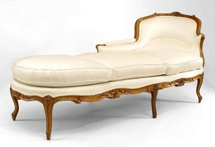 18th century Louis XV beechwood chaise longue - via atticmag