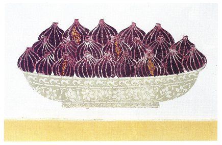 Anglo-Indian style - wall stencil of figs in a decorative bowl in an Indian home - WOI via Atticmag