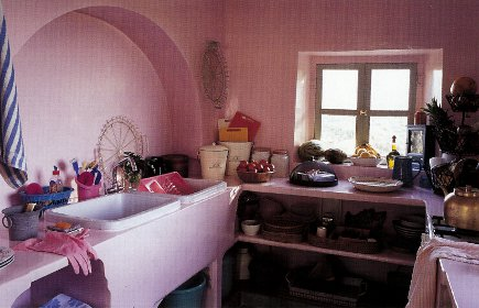 Anglo-Indian style - bubble gum pink kitchen in an Indian house in Rajasthan - WOI via Atticmag