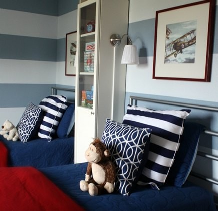 boy bedroms - red white and blue boys bedroom with horizontal stripe wall - I Heart Organizing via Atticmag