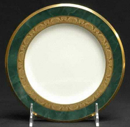 Noritake Fitzgerald dinner plate with emerald green and gold decoration