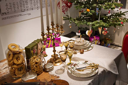 Royal Copenhagen Christmas tables - 2012 musical theme Christmas table with star fluted china via Atticmag