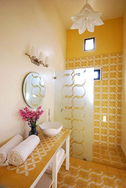 Moroccan decor - yellow Moroccan cement tile bathroom at Peacock Pavilions hotel - Marrakesh, Morocco via Atticmag