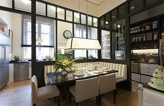 modern white Deulonder kitchen dining room combination with banquette - el meuble via Atticmag