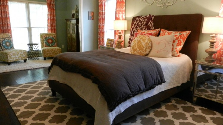master bedroom decorating ideas - eclectic master bedroom with Surya flat weave rug - Atticmag