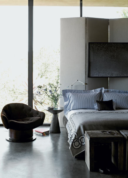 Bedroom in a California home by Jeffrey Alan Marks; photo: Douglas Friedman. via Atticmag