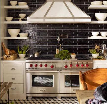 Steven Gambrel kitchen - black and white New York illusion floor kitchen - S.R.Gambrel via Atticmag