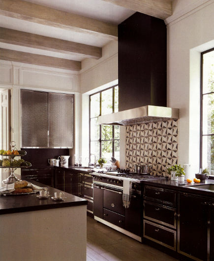 black and white kitchen with Lenox steel and nickel black cabinets - Veranda via Atticmag