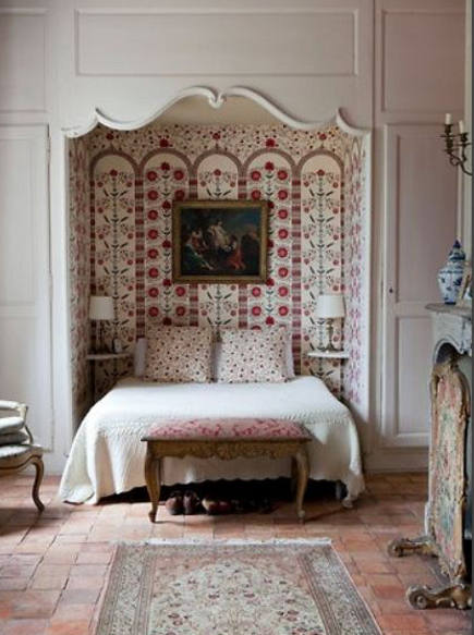 double bed in a suzani-lined alcove - frenchprovincialfurniture via Atticmag