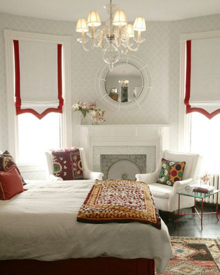 white roman shades with red pointed banded border - alamella via atticmag