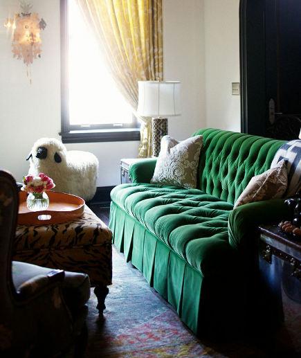 Tufted Sofas. Emerald Green Velvet ...