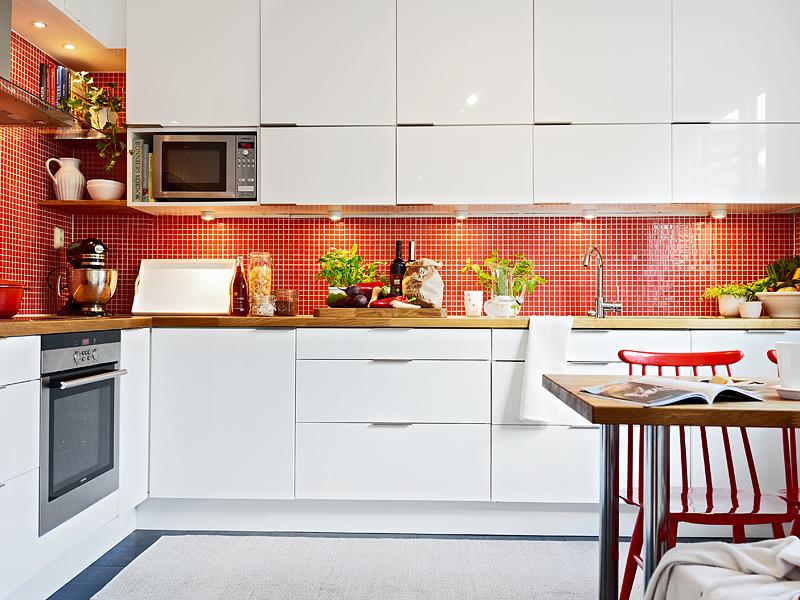 red backsplash kitchen - atticmag