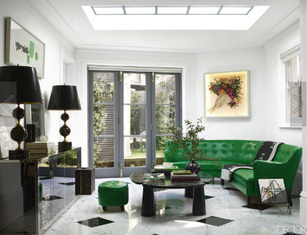 black and white decor - black and white family room with emerald green sofa by Colin Radcliffe - Elle Decor via Atticmag