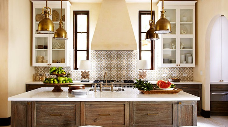Ann Sacks Nottingham honeycomb tile backsplash in a neutral kitchen by Beth Webb - via Atticmag
