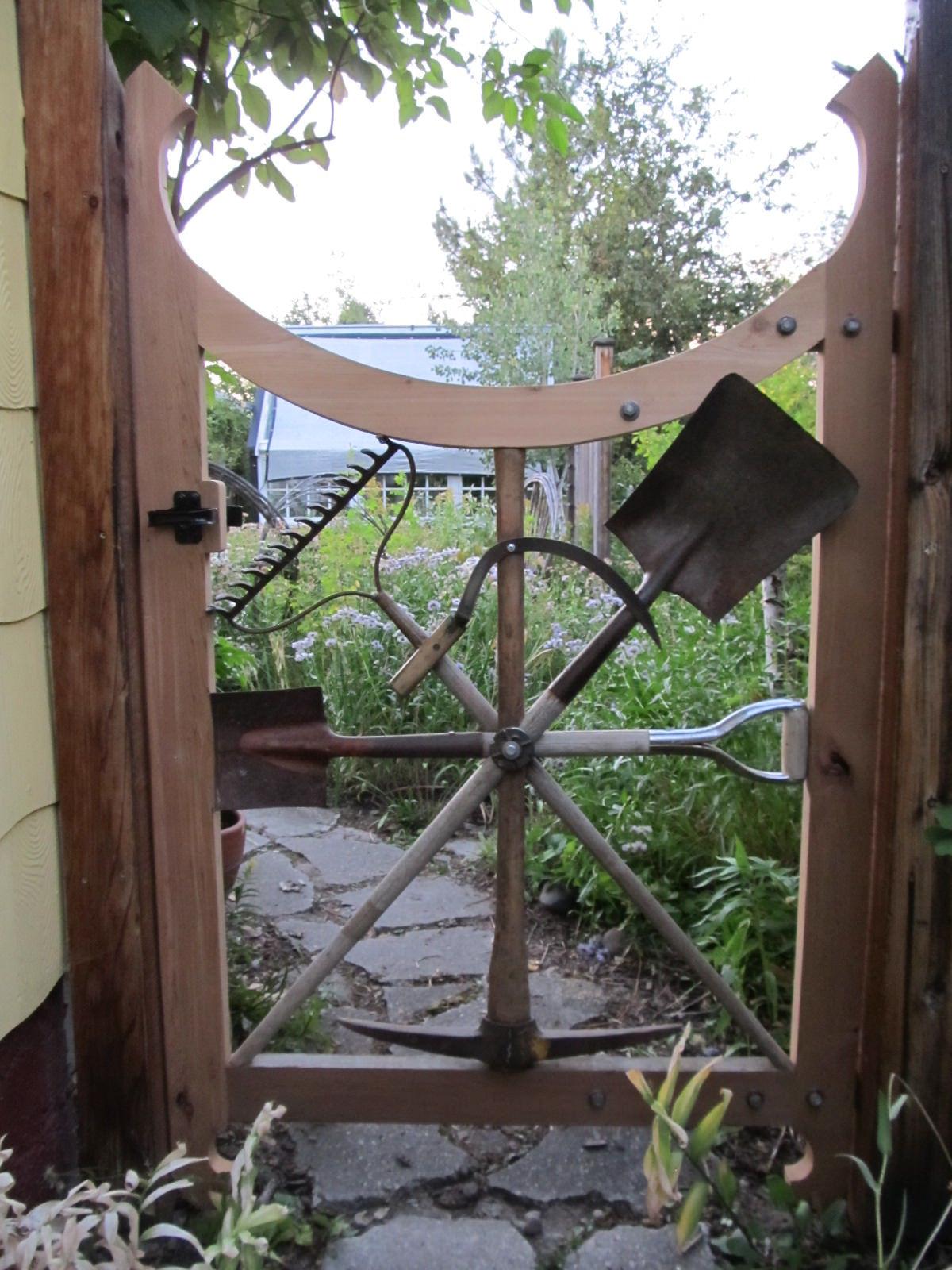 Unique outdoor home d cor ideas custom sunflower theme iron garden gate Andrew T Crawford