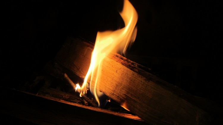Stokes Fireplace Starters are eco-friendly and made in the USA - Atticmag