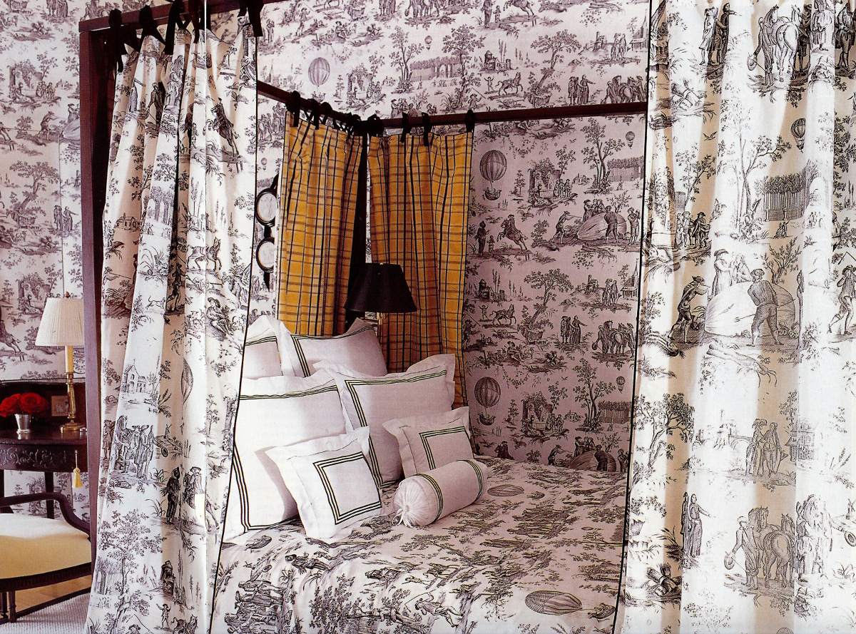 toile bedrooms - bedroom by Alessandra Branca using Qadrille's Ballon de Gonesse toile in black and white - Elle Decor via Atticmag
