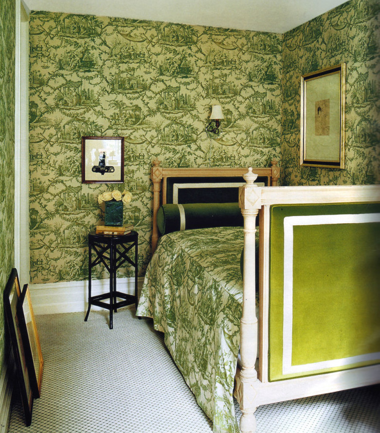 toile bedrooms - vivid green Osborne & Little 'Rococo' toile in Kate Spade's guest room - World of Interiors via Atticmag