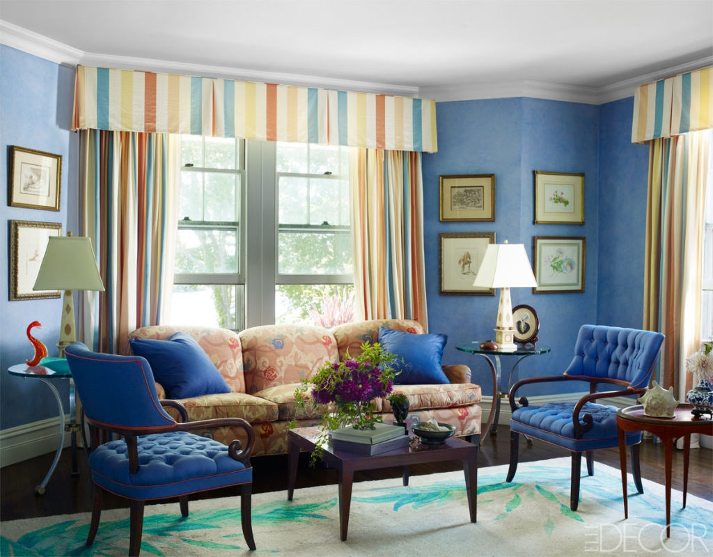 striped décor - Long Island living room of Amy Fine Collins has brightly striped draperies - Elle Décor via Atticmag