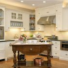 Six Ways to Create Kitchen Character