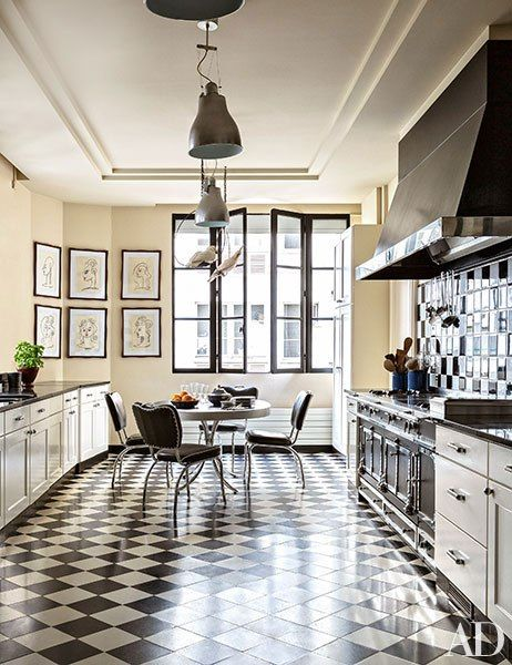 black and white checkerboard tile kitchen by Alberto Pinto -AD via Atticmg