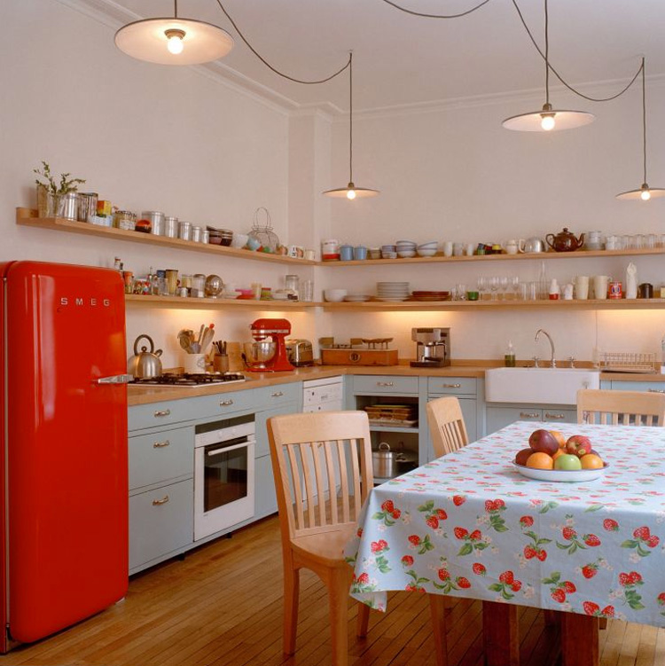 red Fab refrigerator - country kitchen with red Smeg Fab 28 refrigerator -kuchniaremonty via Atticmag