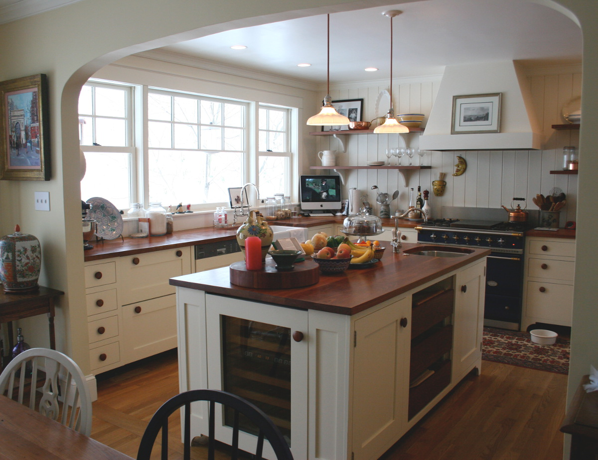 cherry counter - white English style kitchen with hand-finished cherry counters - Atticmag