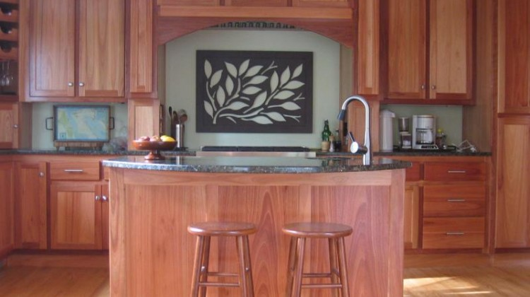 lyptus cabinets - natural, sustainable eucalyptus cabinet kitchen - gardenweb via Atticmag