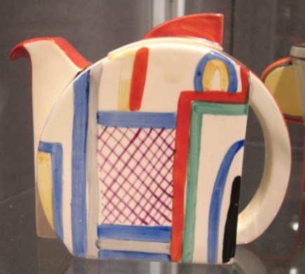 Collecting Clarice Cliff ceramics - Atticmag