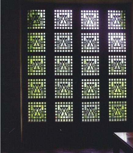 cool bathrooms - lead glass window detail in the Saarinen House bath - WOI via Atticmag