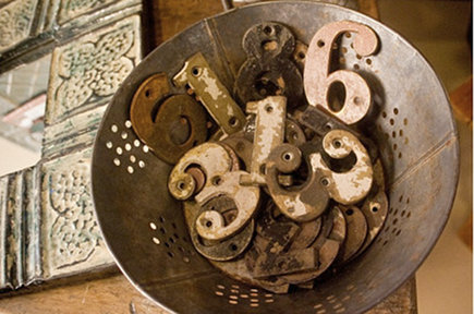 classic trends - vintage house numbers - Atticmag