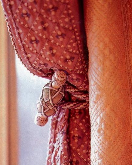 extreme decorating - detail of embroidered curtains in Howard Slatkin's New York apartment - House & Garden via Atticmag