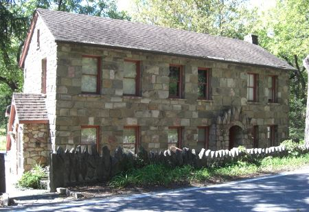 Ulster County, NY stone houses - house with Gothic stone trim - Atticmag