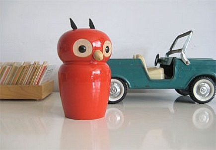 vintage collectibles - retro Red wooden owl french money bank from three potato four via Atticmag